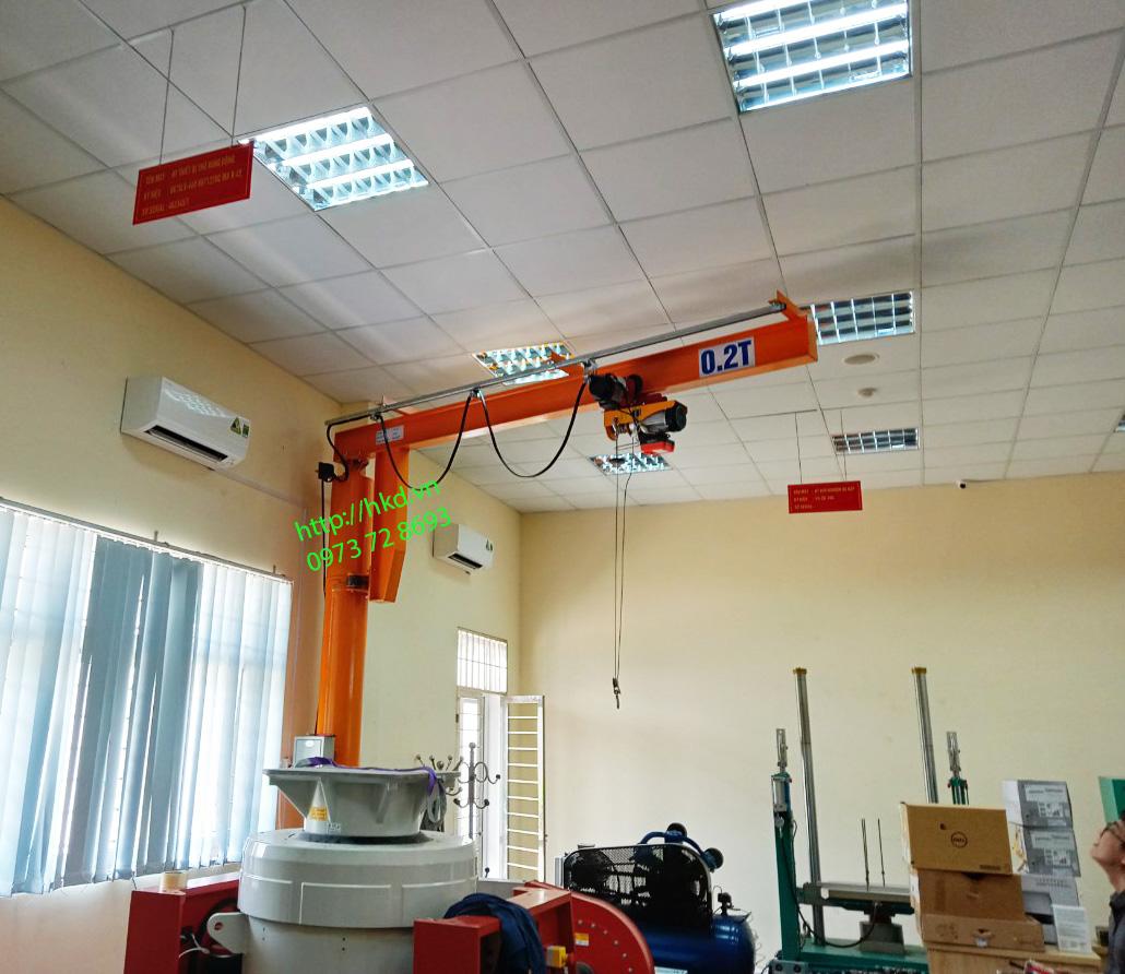 Cẩu trục quay 0.2 tấn x 3m tại Đồng Mô, Sơn Tây