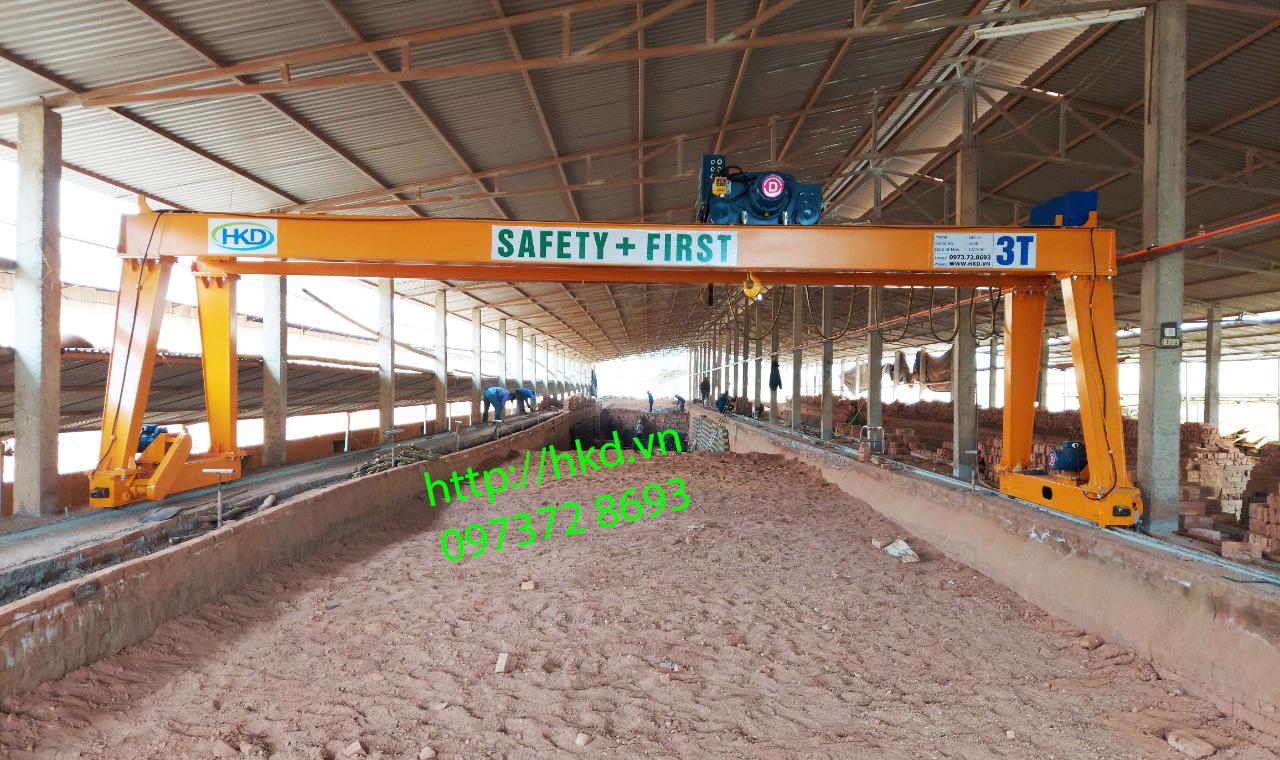 cổng trục dầm đôi 3 tấn HKD