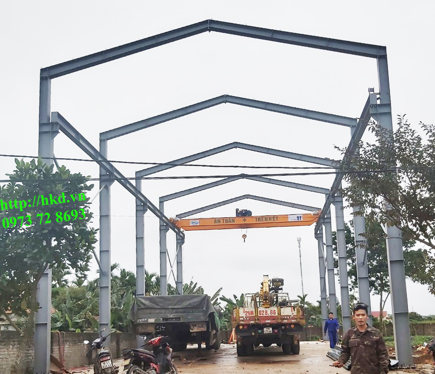 Cầu trục 5 tấn và nhà xưởng tại HKD
