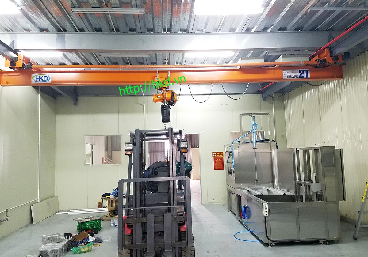 Nhà xưởng lắp đặt cầu trục treo