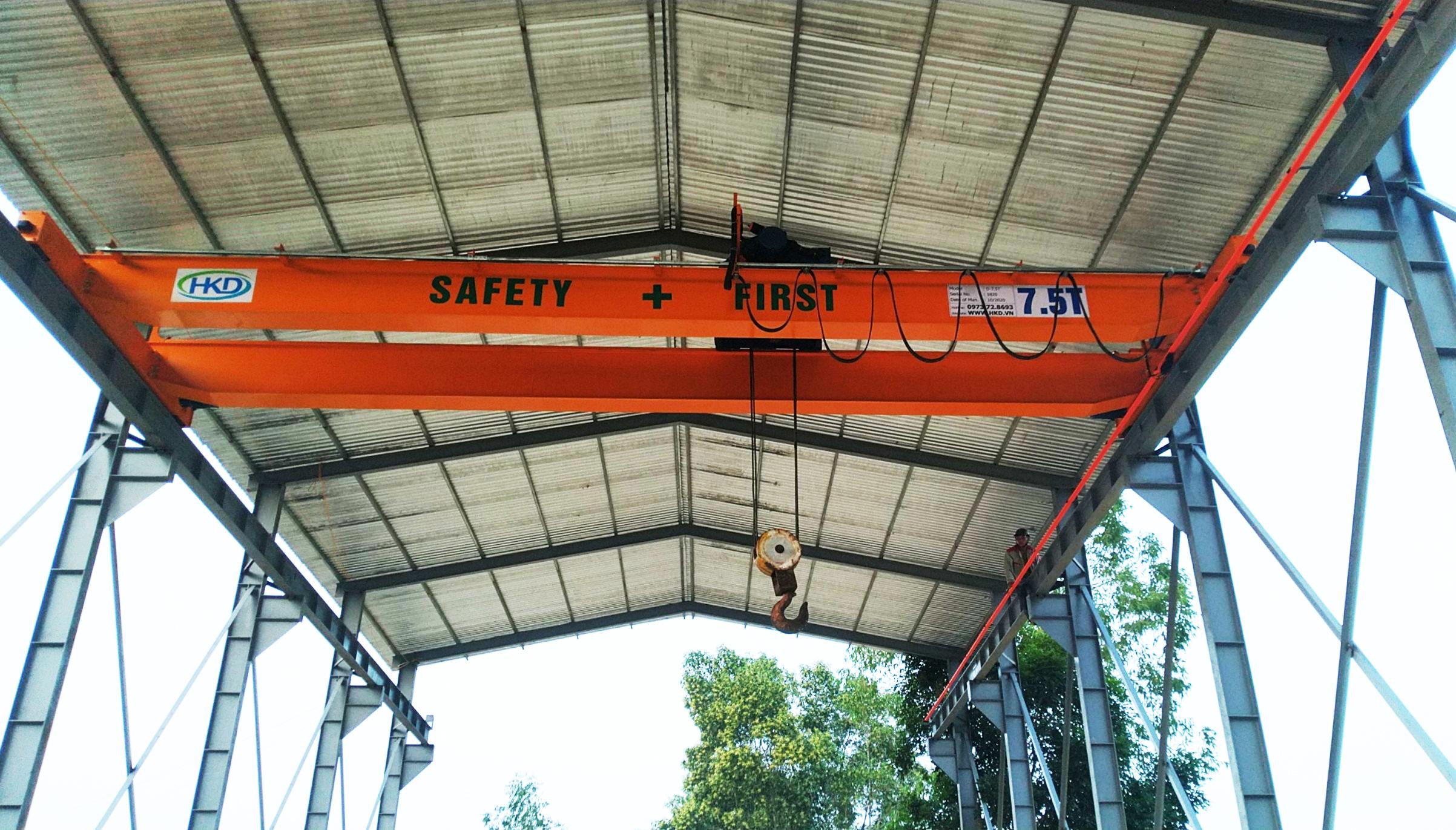 Cầu trục dầm đôi 7.5 tấn HKD cung cấp